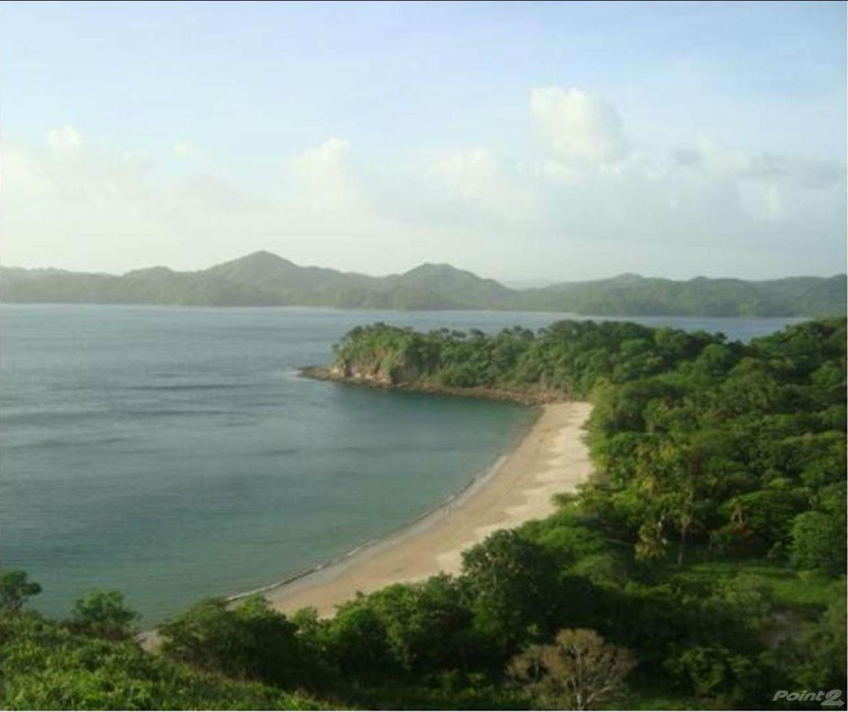 Locales y oficinas en venta Cuajiniquil, Costa Rica Titled 6,000 Acres Beachfront Land in Guanacaste