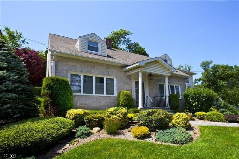 Casa unifamiliar en venta en/de 54 Pearl Brook Drive, Clifton, NJ ,07013  , EUA