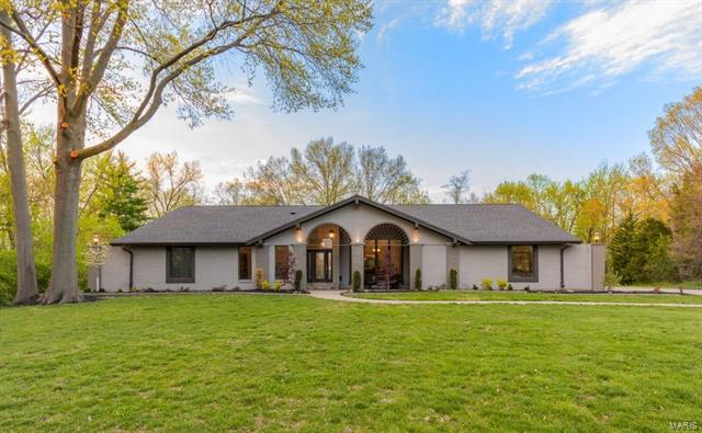 Casa unifamiliar en venta en/de 15875 Kettington RD, Chesterfield, Missouri ,63017  , EUA