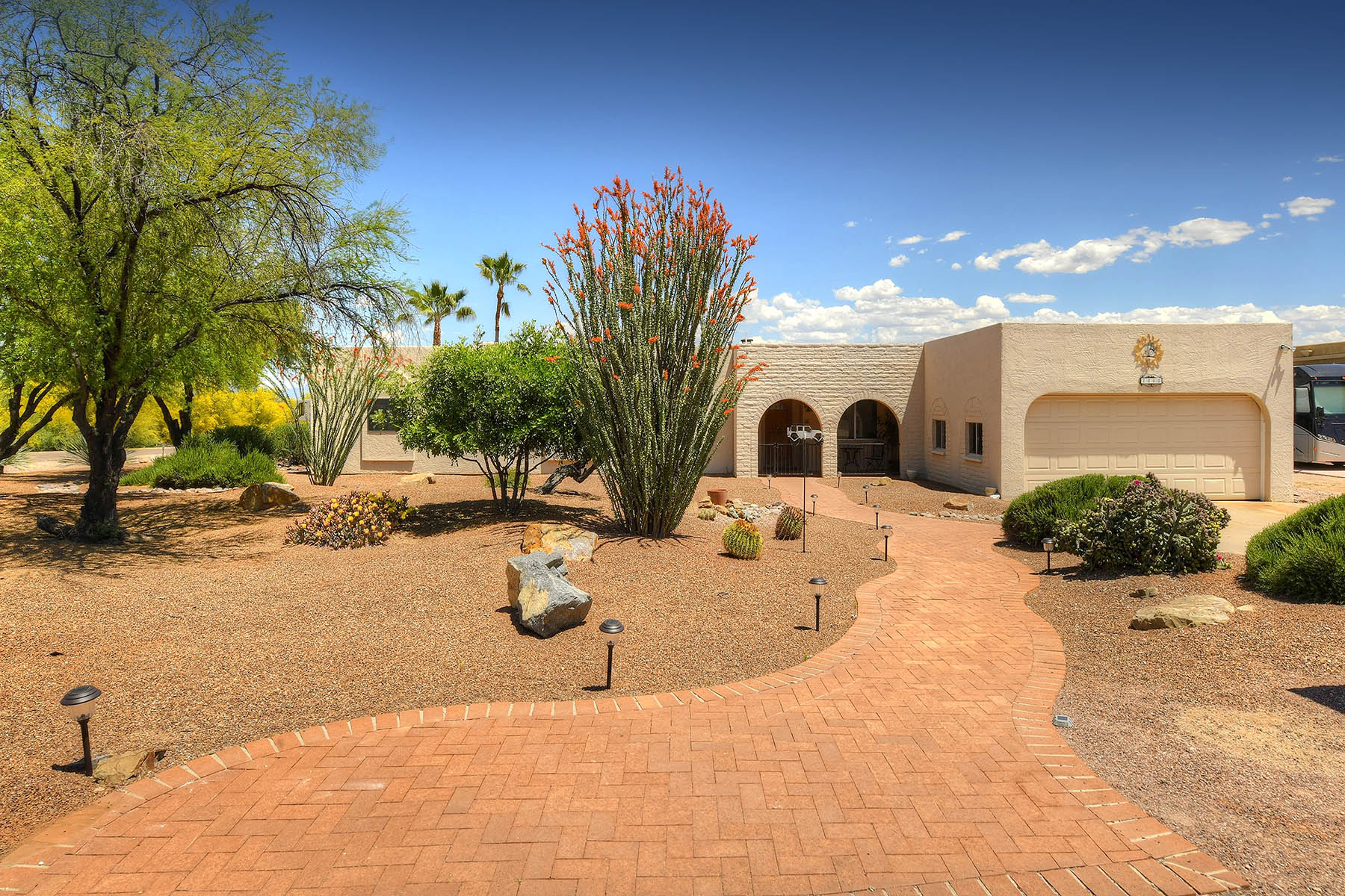Casa unifamiliar en venta en/de 1440 N. La Luna, Green Valley, Arizona ,85614  , EUA